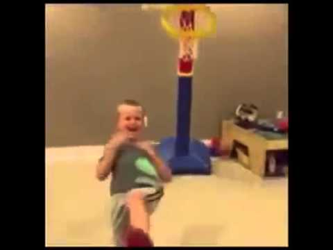 Kid basketball dunk fail - seven nation army remix