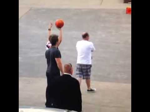 One Direction member Niall Horan Basketball Fail