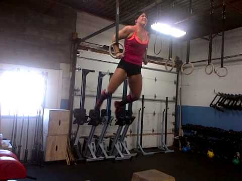Crossfit Girl Samantha Muscle Up...Fail!
