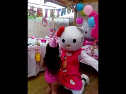 Hello Kitty funny dance (falls through floor) FAIL