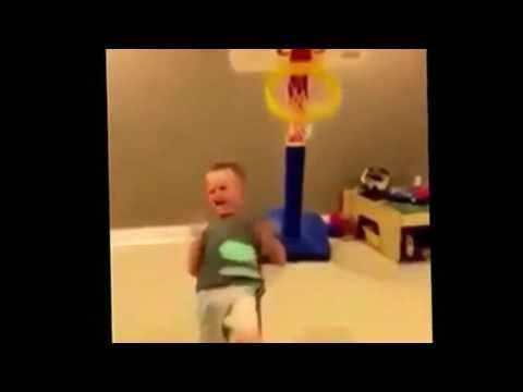 Kid Hits Basketball Hoop (FAIL)Loll😄